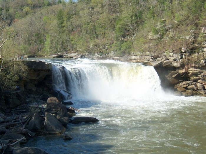 4. Cumberland Falls