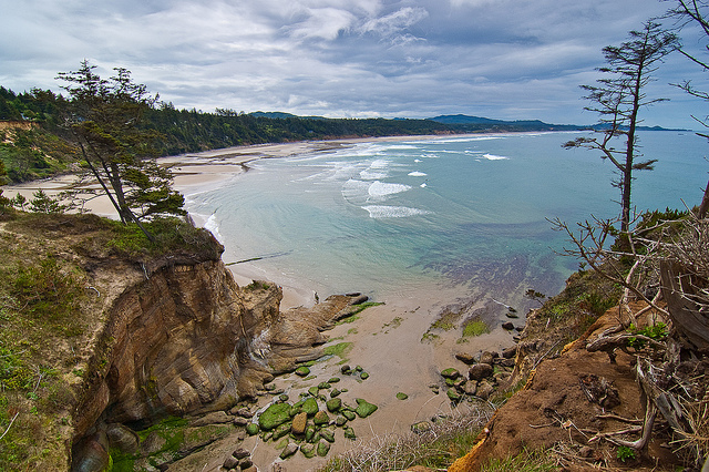 9) All of the beaches along the Oregon Coast are open to the public, nothing privatized.