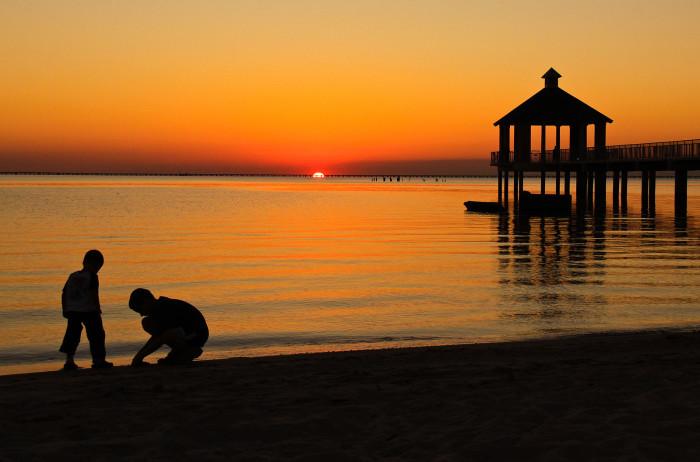 12) Day's end at Lake Pontchartrain.