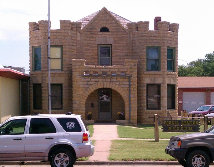 7.) Russell County Fossil Station (Russell)