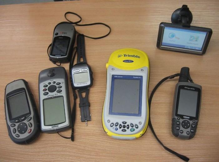 1. GPS Device