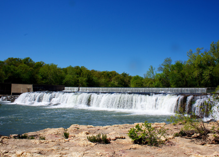 7. Grand Falls: Who knew. Continuously flowing water falls in Missouri!