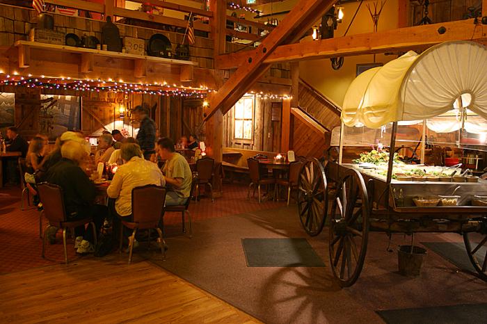 14 Unique Oregon Restaurants Offer Unforgettable Experience