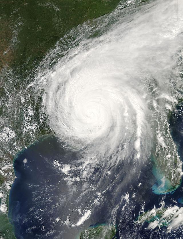 8 Incredible Hurricane...