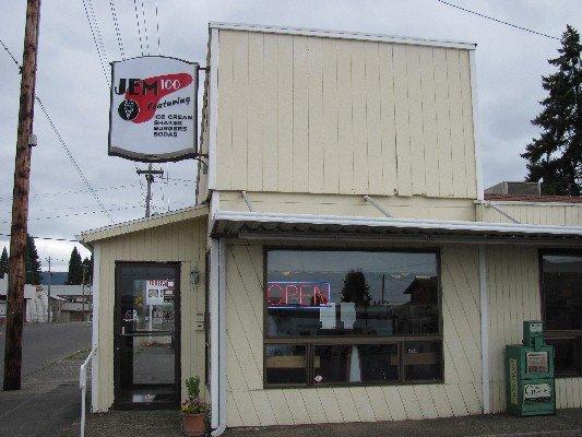 14) Jem 100 Ice Cream Saloon, Newberg