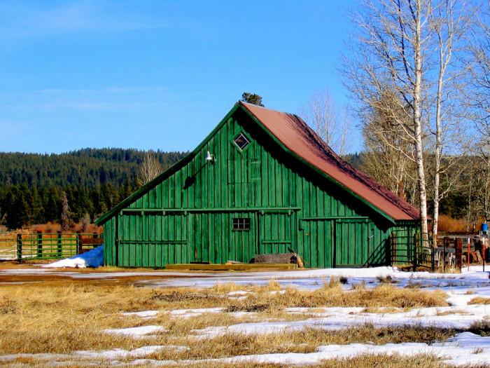 6) Bright green barn in Forth Klamath, Oregon