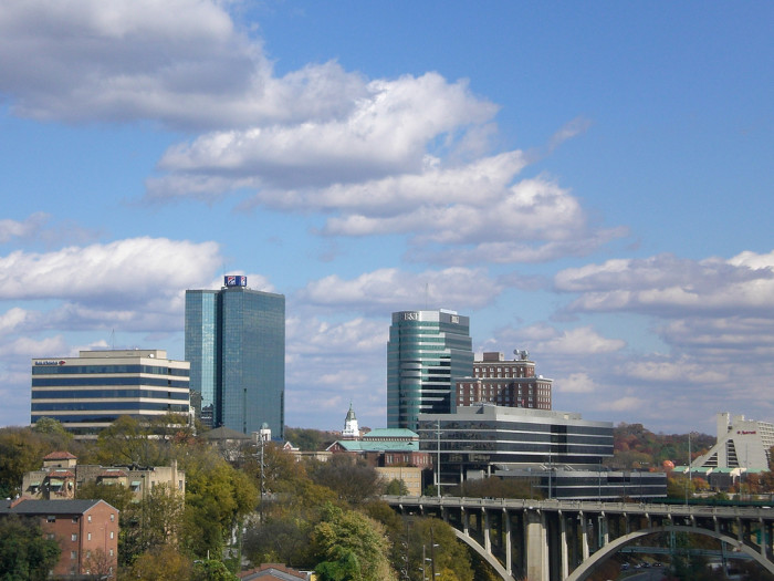 5) Knoxville