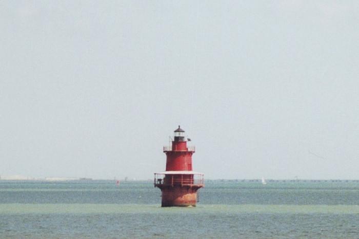 2. Newport New Middle Ground Lighthouse, Hampton Roads