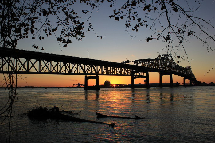 3) Sun down below Mississippi River Bridge.