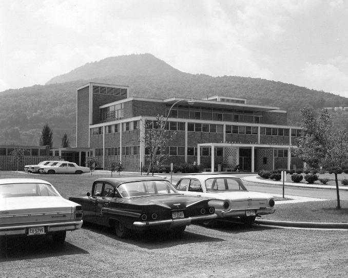 Moccasin Bend Psychiatric Hospital  and Institute