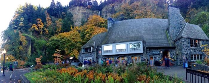 7) Multnomah Falls Lodge