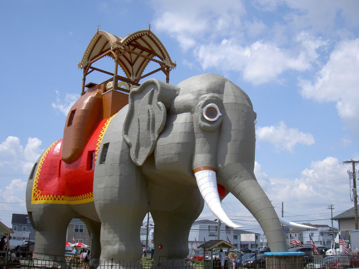 9. The World's Largest Elephant Resides Here.