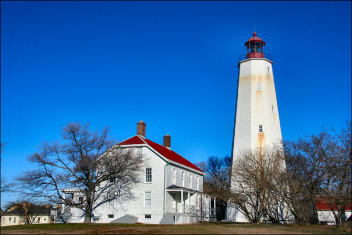 5. New Jersey Is Home To America's Oldest Working Lighthouse