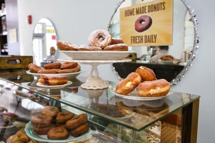 NJ Schnackenbergs Donuts