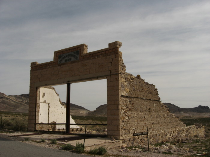 3. A countless number of ghost towns.