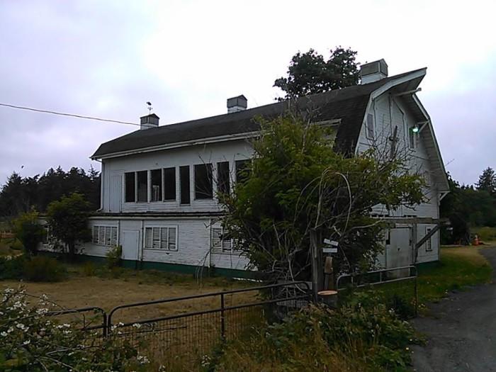 6) Old farmhouse, near Lincoln City