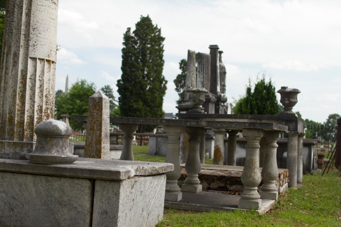 Old_City_Cemetery_(Examples_of_Altar_Tombs)