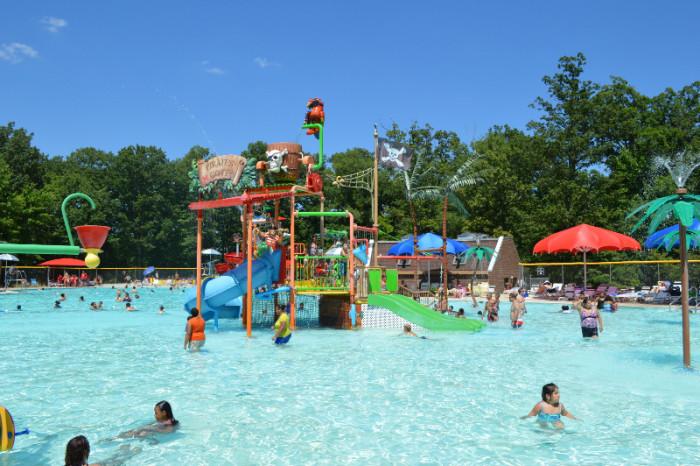7. Pirate's Cover Waterpark, Lorton