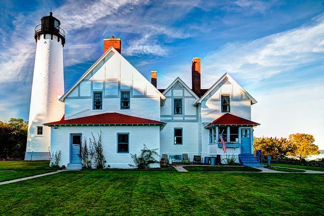 4) Point Iroquois Light Station