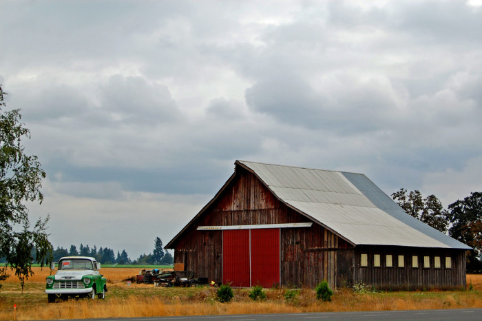5) Old barn outside of Gervais, Oregon