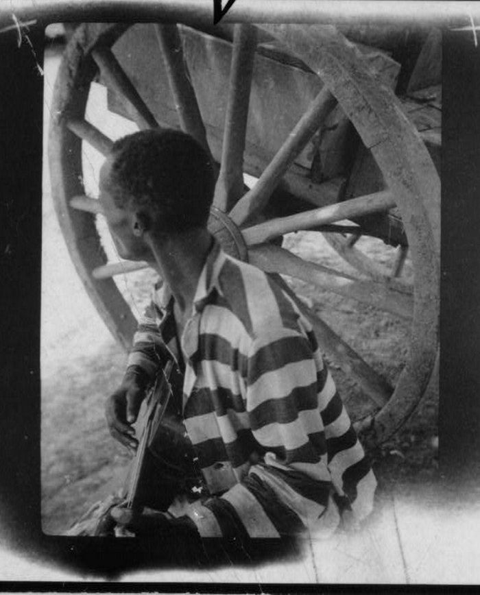 13) Prisoner With a Guitar, 1938