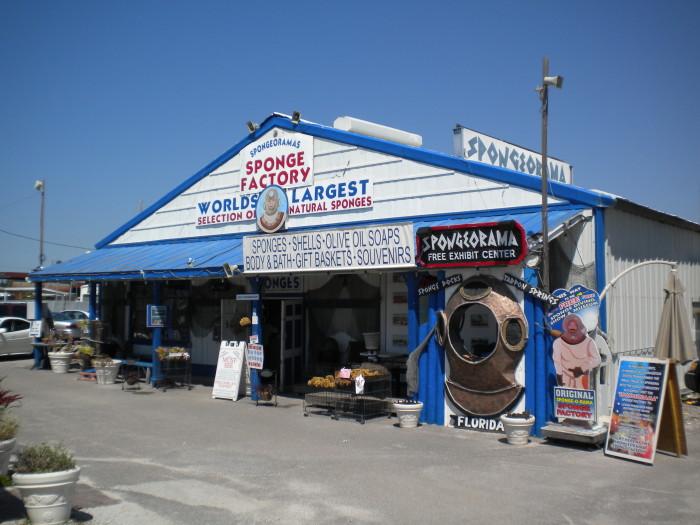 Spongeorama's_Sponge_Factory_(Tarpon_Springs,_Florida)_01