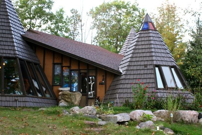 9) Teepee House, Stanton