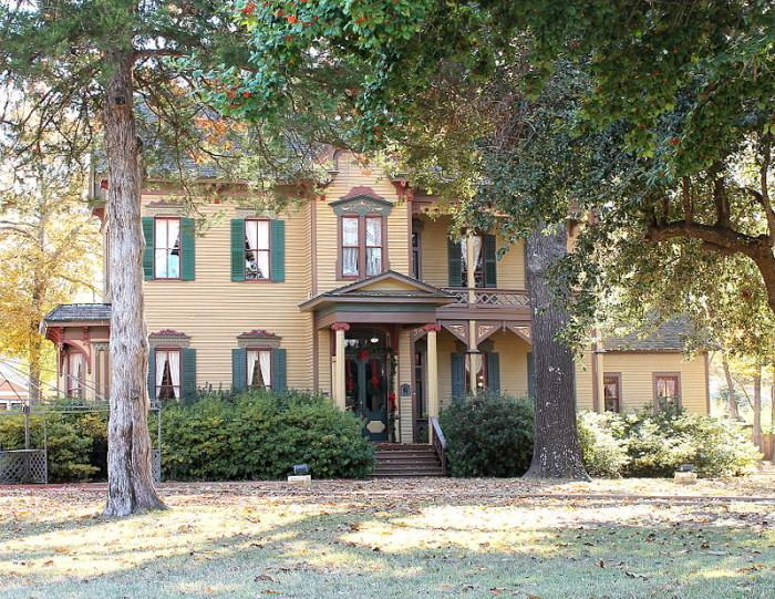 14) Whitaker-McClendon House (Tyler)