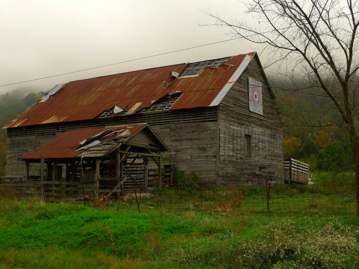 """6. """"Quilt"""" Barn, Woodway"""