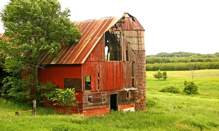 9. These remnants of a beautiful old barn are located up in Eau Claire.