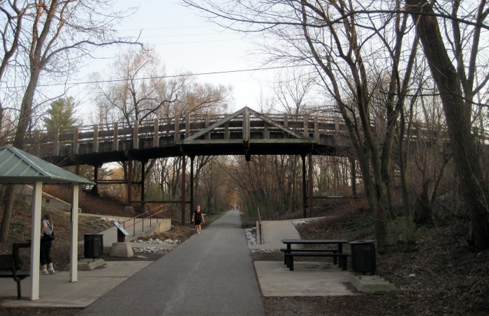2. Camelback Bridge (Normal)