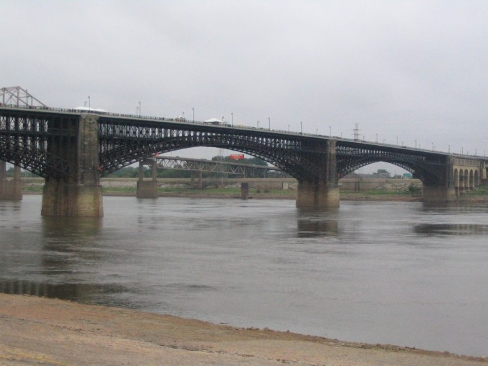 9. Eads Bridge (East St. Louis)