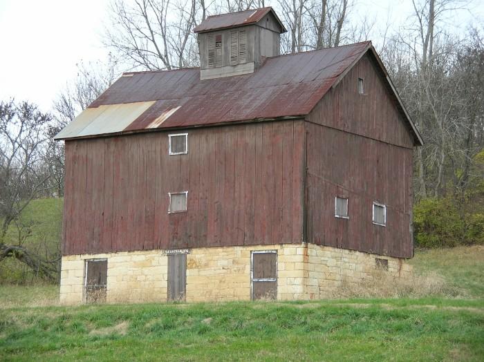 4. Beautiful old barn near Pere Marquette.