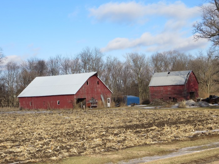 6. Nice Illinois farm near Earlville.
