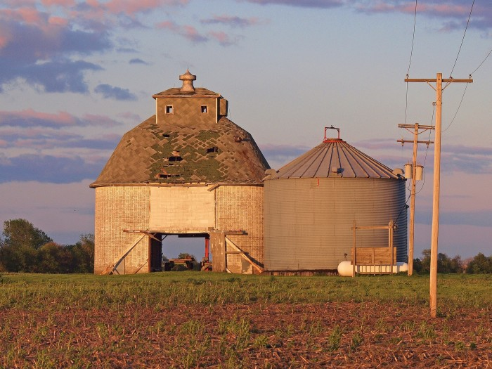 8. This old barn (Rising) has beautiful lines.