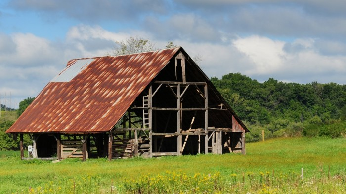 10. There's not much left of this barn in Savanna.