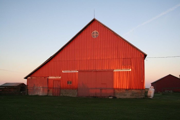 12. I'm enthralled with this picture of this barn in Montgomery.
