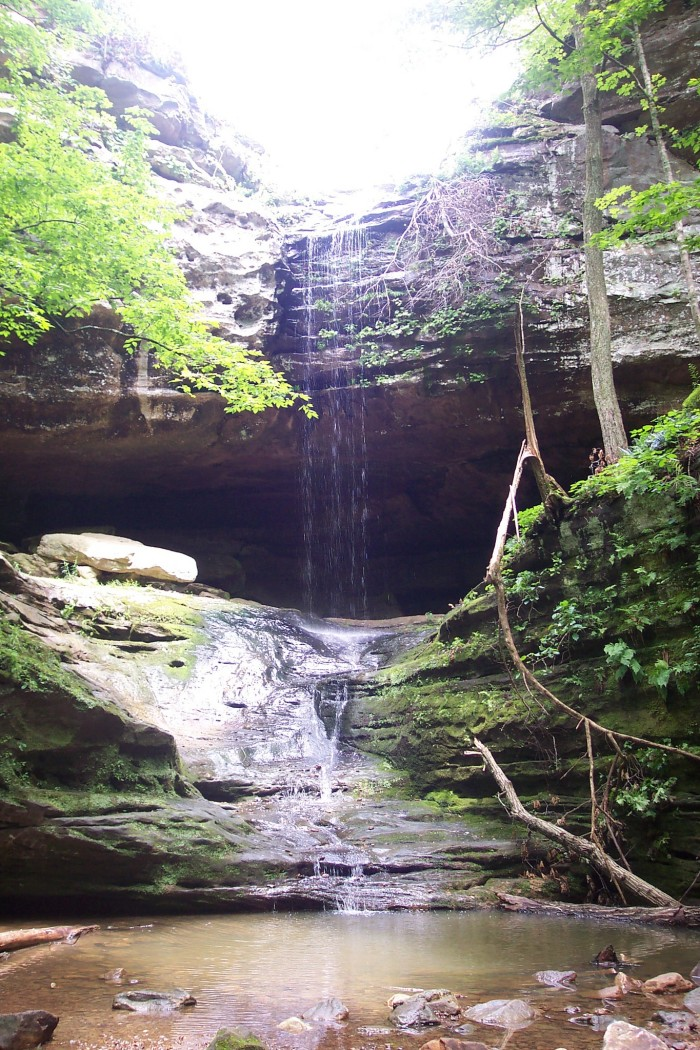 10 hidden waterfalls in illinois
