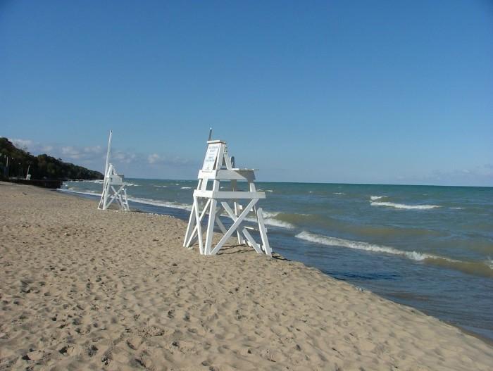 6. Glencoe Beach (Chicago)