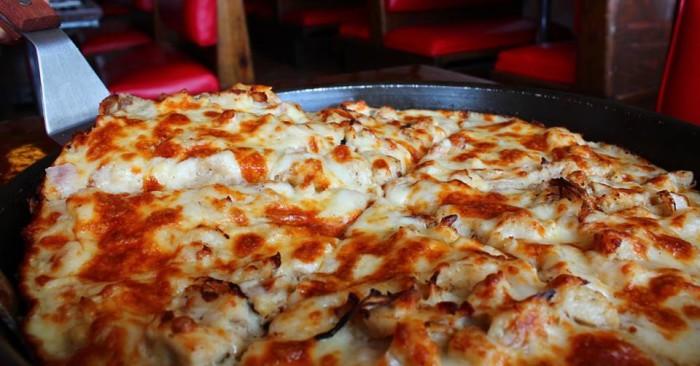 8. Quatro's Deep Pan Pizza (Carbondale)