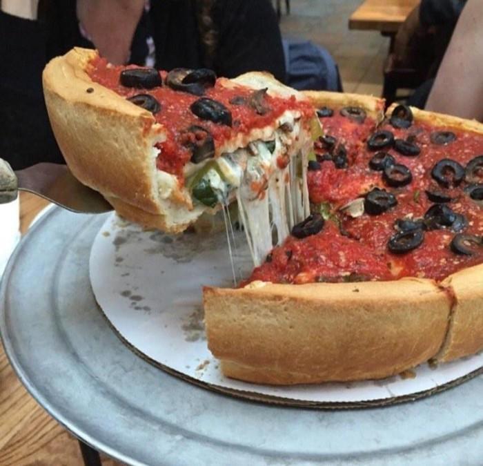 12. Giordano's Pizza (multiple locations)