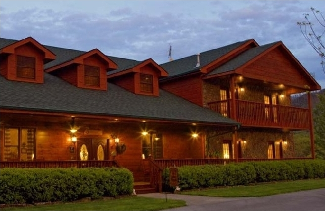 1) Berry Springs Lodge - Sevierville