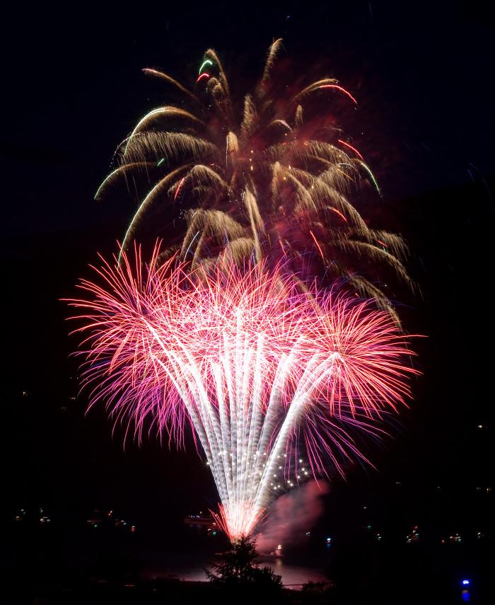 6. Chelan, Rockin Fireworks Display