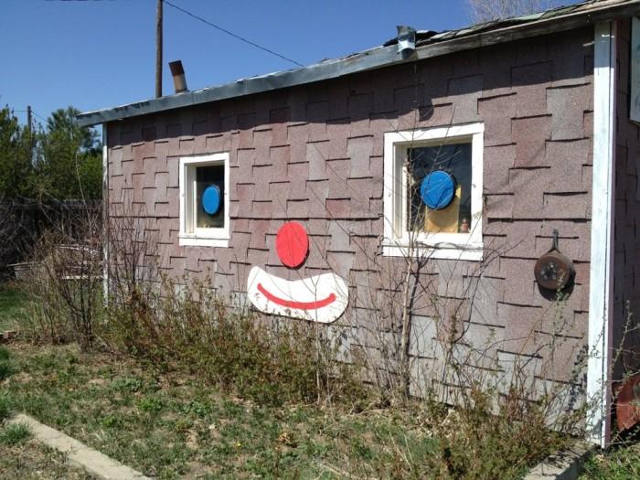 2.) Grandpa Jerry's Clown Museum (Arriba)