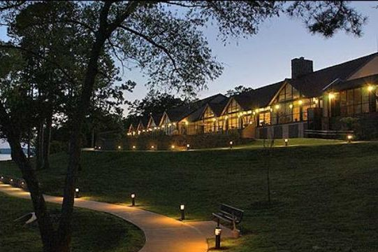 10. DeGray Lake Resort State Lodge: Located in Bismarck, Arkansas's only resort park also features a sumptuous spa for guests.