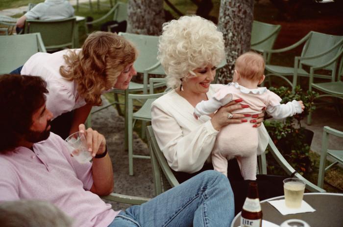 2) Dolly Parton