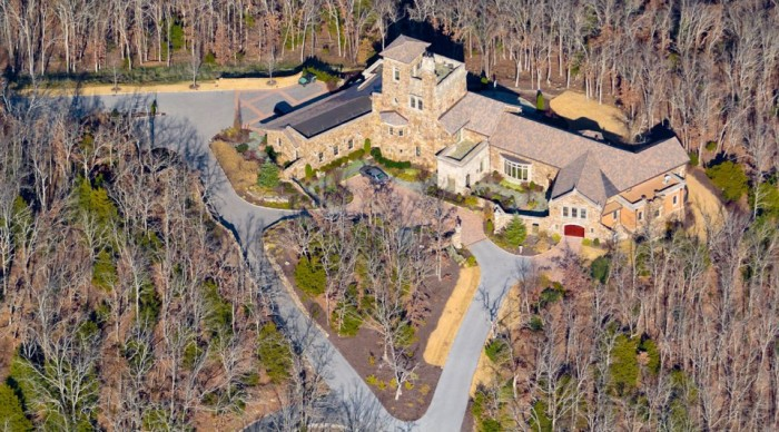 4. Dromborg Castle:  Beautifully nested in Northwest Arkansas, the Dromborg is located on 100 wooded acres and  overlooks the Ozark Mountains with a 300-degree panoramic view.