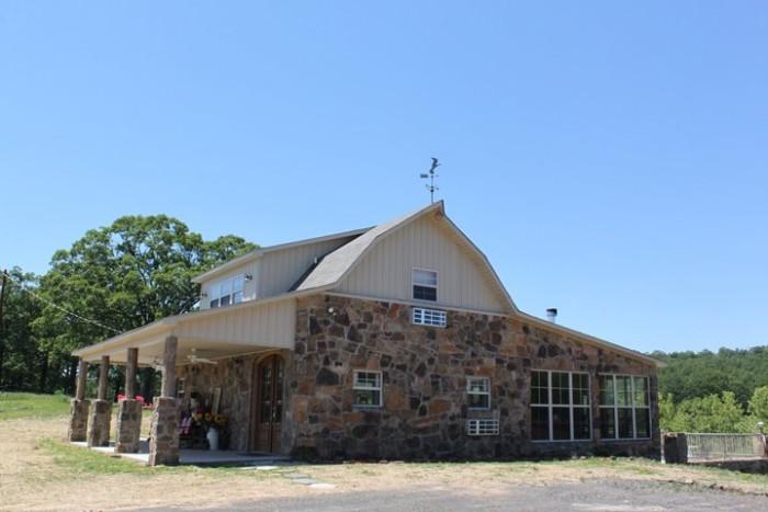 Have a Look At These 12 Beautiful Arkansas Barns