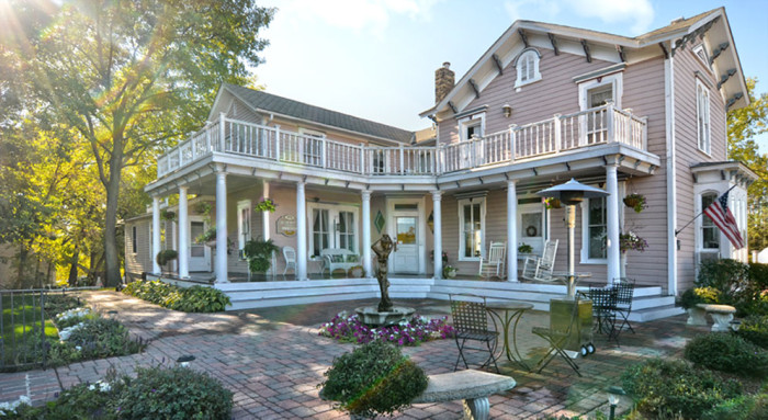 11. Bird House Inn - This inn on Lake Minnetonka offers an escape close to home for those in the Twin Cities Metro. Take some time to relax in this adorable location.