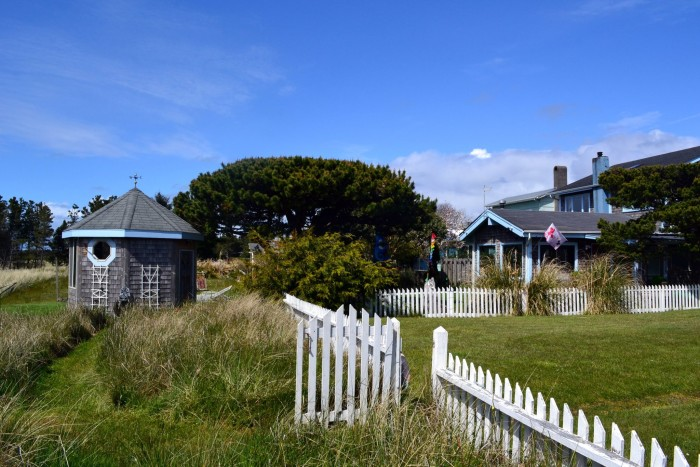 6. Boreas Inn in Long Beach is a bed and breakfast that offers a cozy stay for couples with an oceanfront setting!